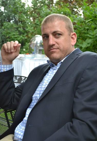 Author - Dan Buri